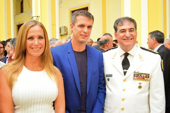 Mayda y Enrique Cresto participaron del acto de asunción del nuevo Jefe de la Policía Federal