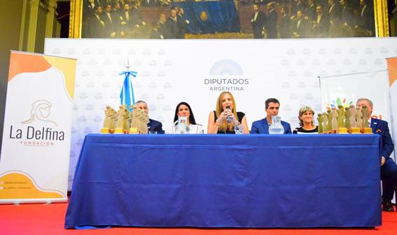"""Premiaron a Municipios con la distinción """"La Delfina"""" en el Congreso de la Nación"""